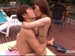 小田切ジュンくんと、プールサイドで青姦露出☆